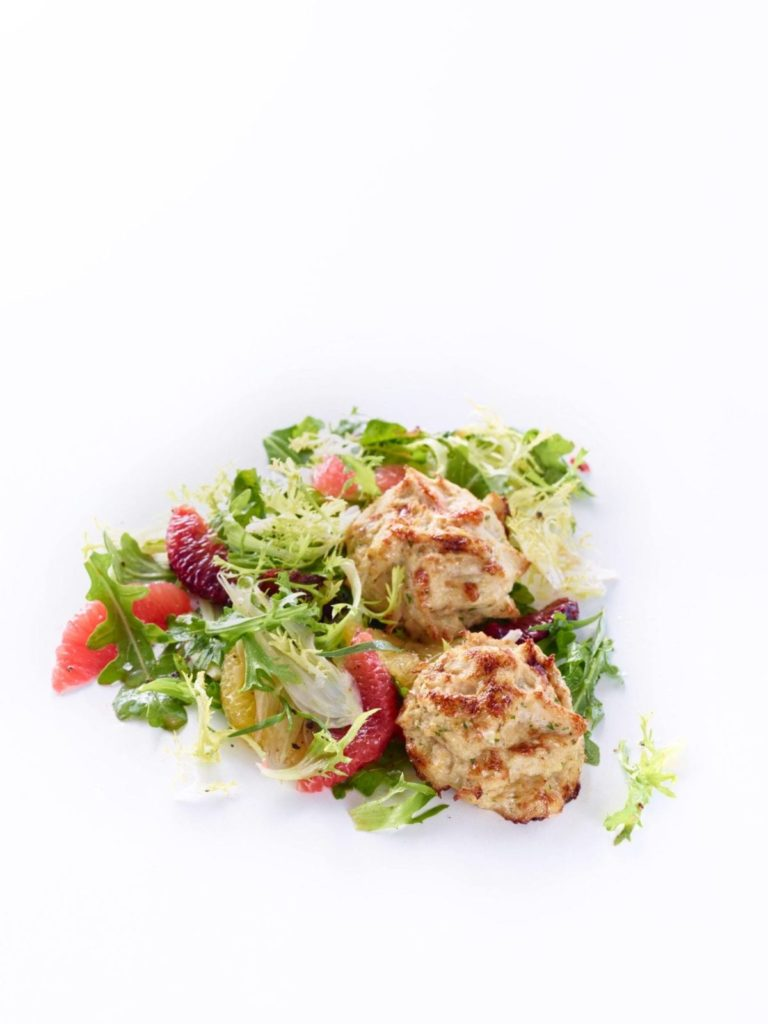 Gluten-Free Crab Cakes with Citrus, Baby Arugula, and Fennel Salad Recipe